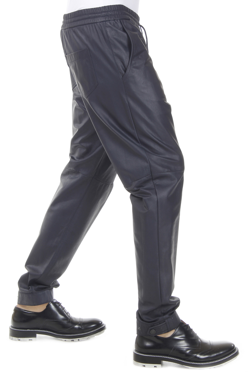 Try this leather jogging trousers which are made from lamb skin leather. It has elastic waist with front and back zipper pockets. This pant has zips on the knees that give a bold look to this pant. It is a calf length leather pants and it is also fully lined.